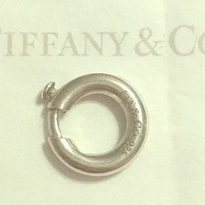 Tiffany&Co sterling silver round Charm clasp